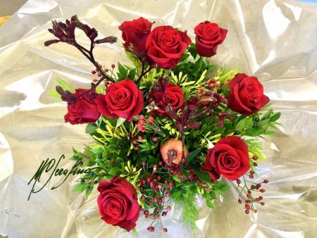rose rosse composizione 2 f - sculturafiorishop